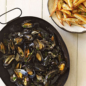 mussels-and-fries-RU174472-ss